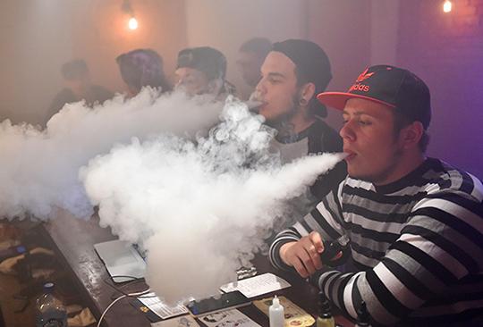Как купить электронную сигарету если мне нет 18 минимальная розничная цена табачных изделий это